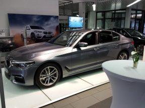 Jazz Colors Bamberg schaffen eine beschwingte Atmosphäre zur Vorstellung des neuen 5er BMW