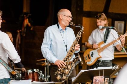 Jazz Colors Bamberg beim rustikalen Firmen Sommerfest (Foto: Bildhübsch Photografie)